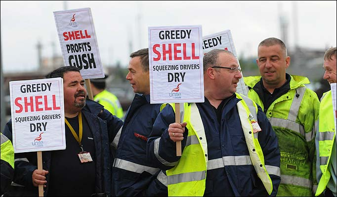 shell_oil_picketers